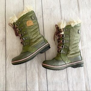 Sorel olive green/pink winter boots